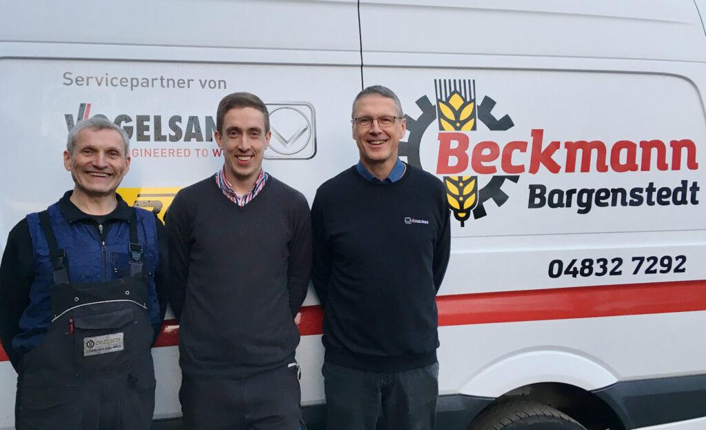 Jörg Dreeßen, Ole Beckmann und Detlev Kock vom Lohnunternehmen Beckmann in Bargenstedt